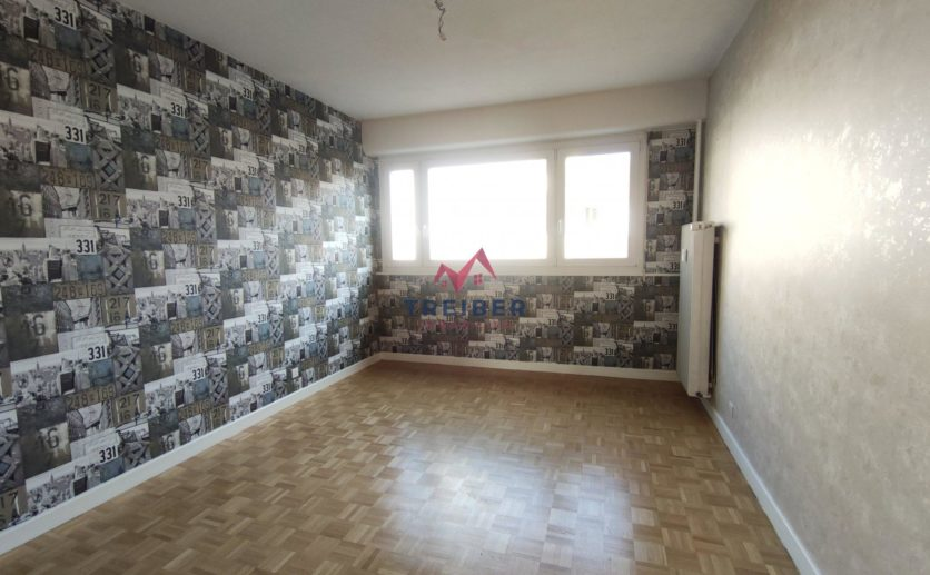 Appartement quatre chambres , 101 m2 Belfort centre avec balcon terrasse